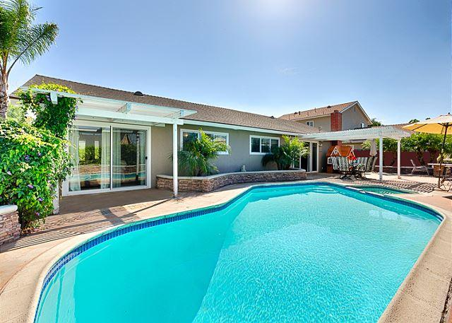 Private Poolside Retreat - Perfect Family Home - Private Pool, Hot Tub, Delightful Accommodations - Costa Mesa - rentals