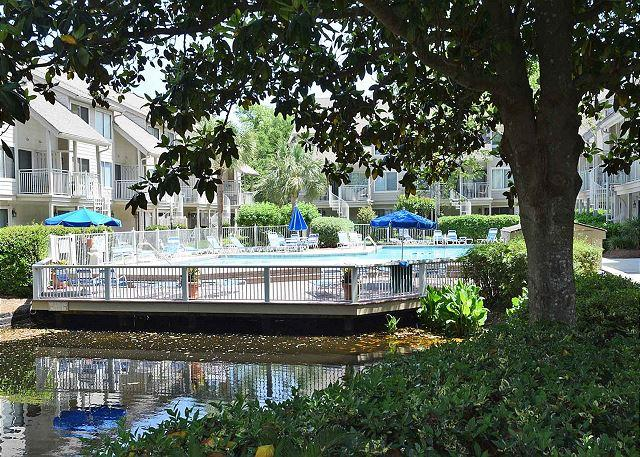 Courtside 112 - Forest Beach 1st Floor Flat - Poolside - Image 1 - Hilton Head - rentals