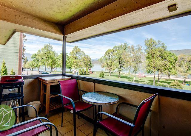 Chelan Lakeside Villa Condo C7 by Sage Vacation Rentals - Image 1 - Chelan - rentals