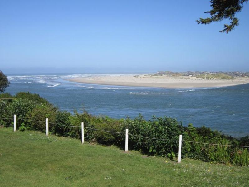 Ambers Point Of View - View of Ocean and Alse Bay - AMBERS POINT OF VIEW - Waldport - Waldport - rentals