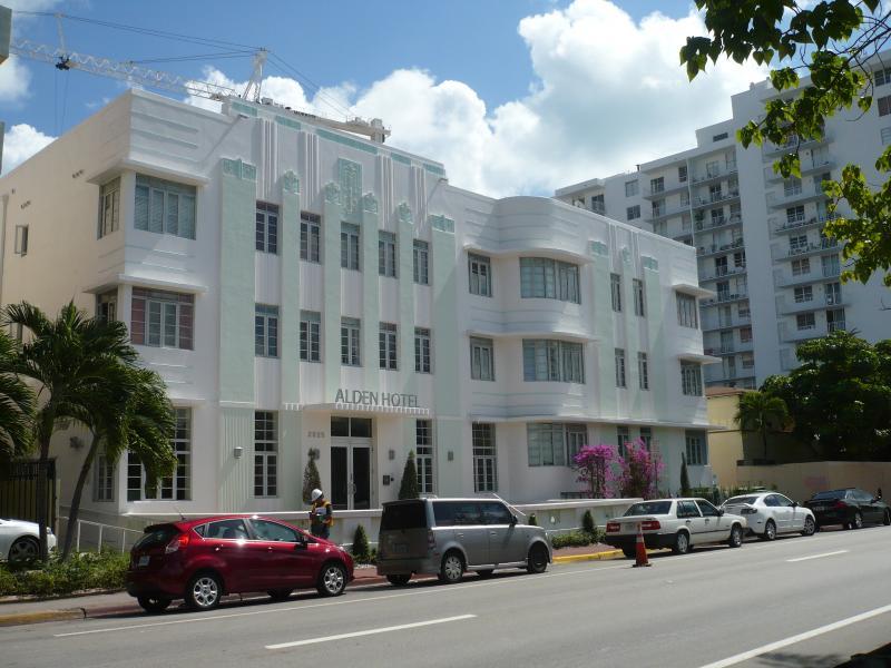 *SoBe* ~MINT CONDITION~Studio for 2, walk to beach - Image 1 - Miami Beach - rentals