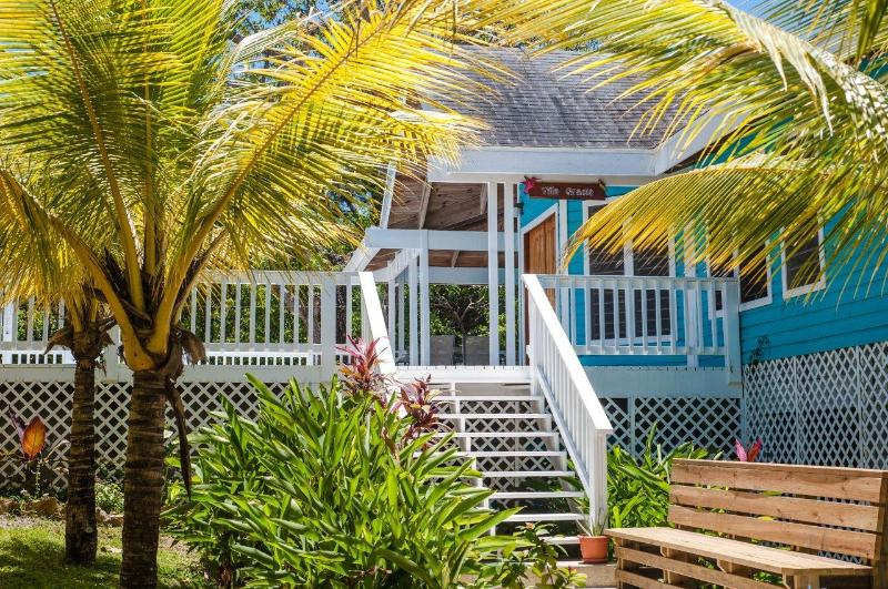 Welcome to Villa Gracia - Your Perfect Island Home with Pool - sleeps 8 - Roatan - rentals