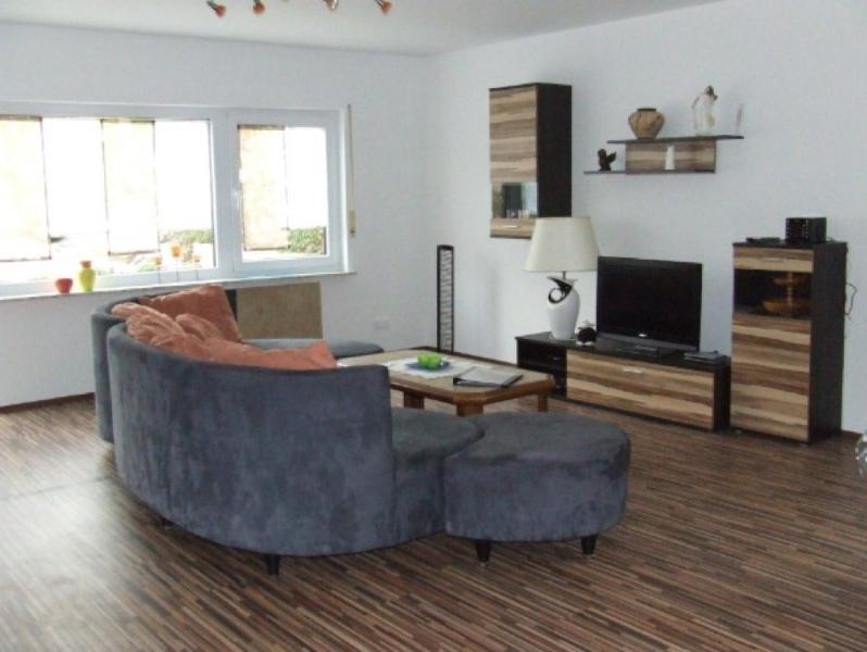 Vacation Apartment in Sulzfeld - 1076 sqft, quiet, comfortable, child-friendly (# 5598) #5598 - Vacation Apartment in Sulzfeld - 1076 sqft, quiet, comfortable, child-friendly (# 5598) - Stadtlauringen - rentals