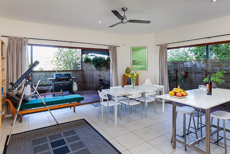 Cliff Top Villa in Trendy Bulimba-Inner Brisbane - Image 1 - Brisbane - rentals