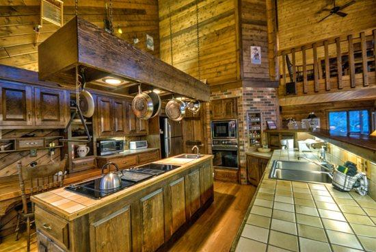 Well Equipped Kitchen, Lots of Storage, Breakfast Nook - Heavenly Daze Chalet - Steamboat Springs - rentals