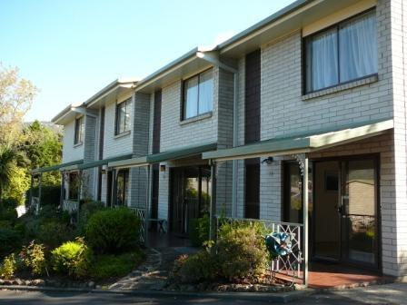 Davey Place Holiday Townhouses -4 Star Serviced - Image 1 - Hobart - rentals