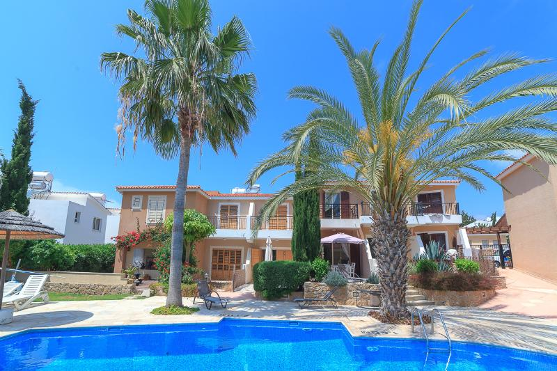 Apartment in Paphos with pool, air con & wifi - Image 1 - Paphos - rentals