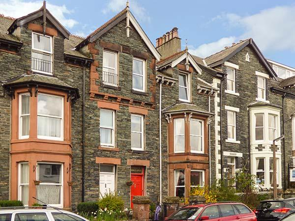 KIRKLANDS, woodburner and open fire, WiFi, fell views, character cottage in Keswick, Ref. 919746 - Image 1 - Keswick - rentals