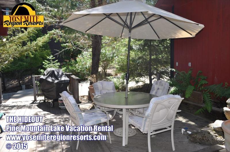Unit 8 Lot 69 Pine Mountain Lake Pet Friendly Vacation Rental 3/4m to Marina Beach The Hideout - WIFI Slps6 PetOK 1mi >Marina Beach 25mi >Yosemite - Groveland - rentals