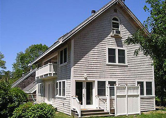 THIS HIDEAWAY IS SET IN AN ENCLAVE ON EDGE OF TOWN - Image 1 - Vineyard Haven - rentals