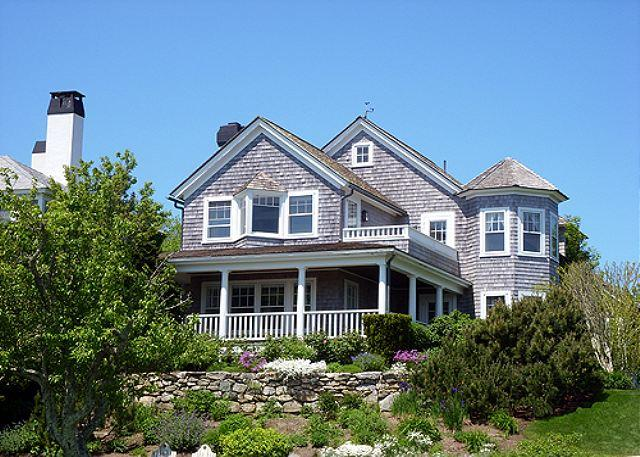 1646 - LUXURY WATERFRONT HOME WITH BREATHTAKING VIEWS OF EDGARTOWN HARBOR - Image 1 - Edgartown - rentals