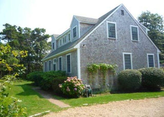ATTRACTIVELY DECORATED VINEYARD HOME SPORTING A SUNNY DECK WITH SOUTHERN EXPO - Image 1 - Edgartown - rentals