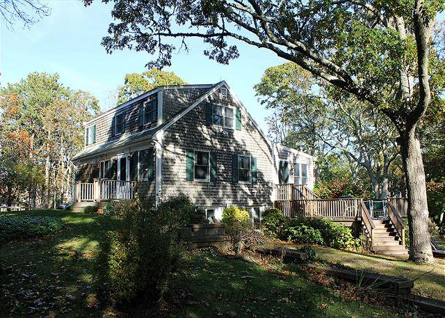 VINEYARD CAPE LOCATED IN A TRANQUIL SETTING CLOSE TO STATE BEACH - Image 1 - Edgartown - rentals