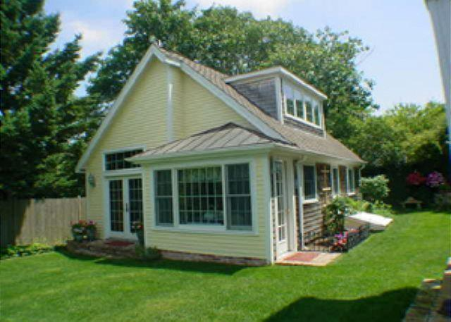 ADORABLE COTTAGE JUST A SHORT STROLL INTO TOWN - Image 1 - Edgartown - rentals