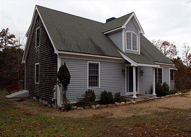 SPALSHED WITH SUNLIGHT, CASUAL WITH SOME FORMAL ELEMENTS! - Image 1 - Edgartown - rentals