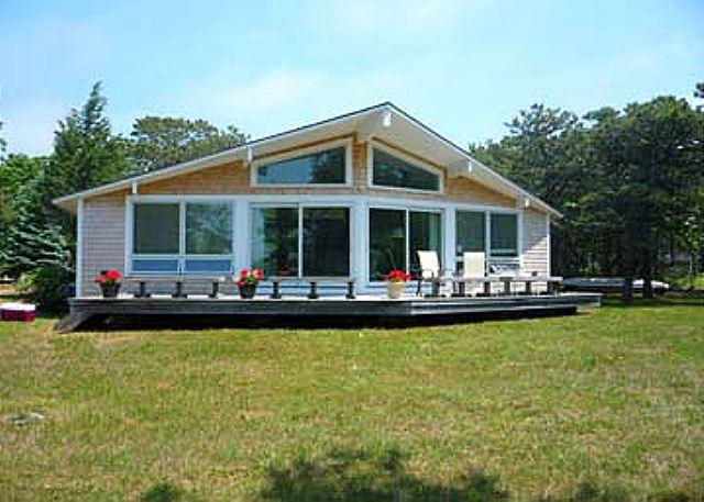 CHAPPAQUIDDICK COTTAGE WITH VIEWS OF KATAMA BAY - Image 1 - Chappaquiddick - rentals
