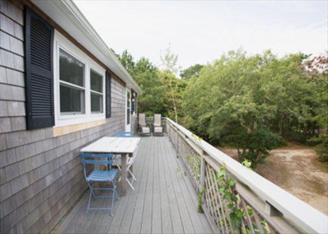 VINEYARD SUMMER COTTAGE JUST A STONES THROW FROM SENGEKONTACKET POND - Image 1 - Edgartown - rentals