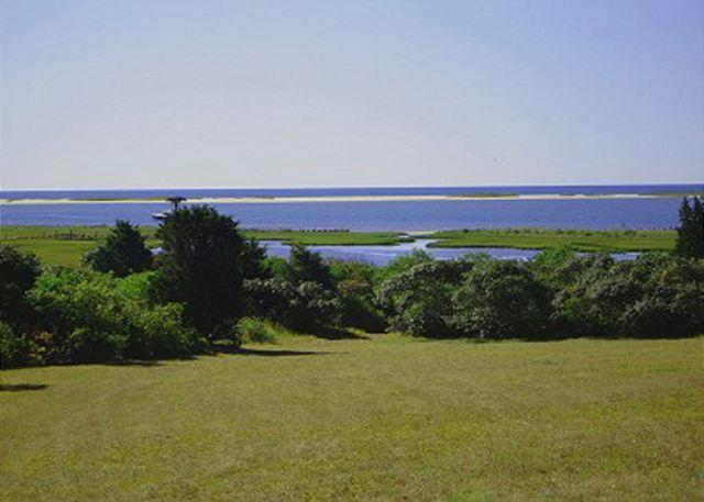 BEAUTIFUL WATERFRONT ISLAND HOME WITH VIEWS OF KATAMA BAY - Image 1 - Chappaquiddick - rentals