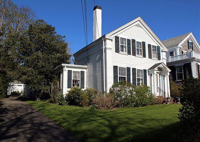 Lovely antique Greek Revival located on Main Street - Image 1 - Vineyard Haven - rentals