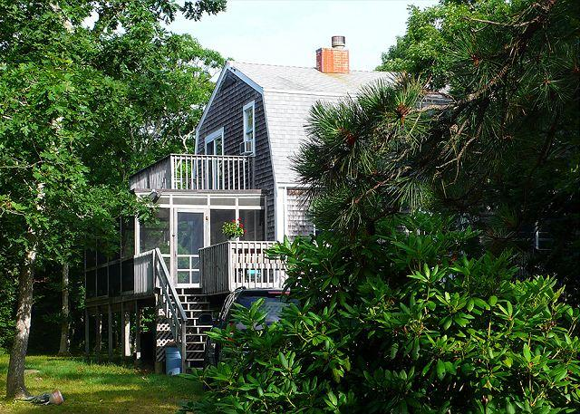 BEAUTIFUL, PRIVATE, 4 BEDROOM CHAPPY HOME - Image 1 - Chappaquiddick - rentals