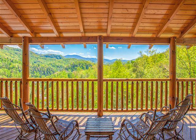 SUMMER NIGHTS FROM $249!!! 5 BR Gatlinburg Cabin w/ Views! Sleeps 16. - Image 1 - Gatlinburg - rentals