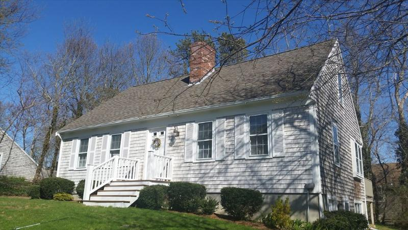 BEAUTIFUL CAPE in LOVELY YARMOUTHPORT!! 126082 - Image 1 - Yarmouth Port - rentals