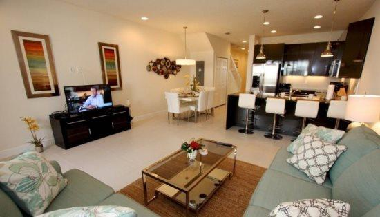 Beautiful 3 Bedroom 3 Bathroom Townhome with Splash Pool. 1521SD - Image 1 - Orlando - rentals