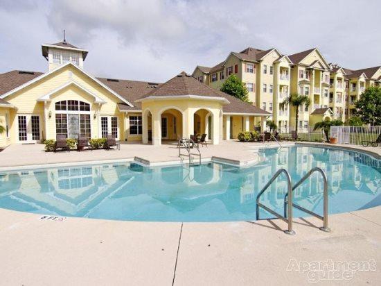 Gorgeous 3 Bed 3 Bath Condo in Resort Community 4 miles from Disney. 5265CIL-202 - Image 1 - Orlando - rentals