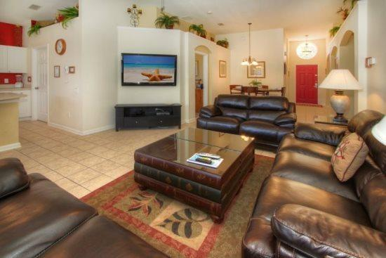 Beautiful 4 Bedroom 3 Bathroom Pool Home in Gated Resort Community. 8101FPW - Image 1 - Orlando - rentals