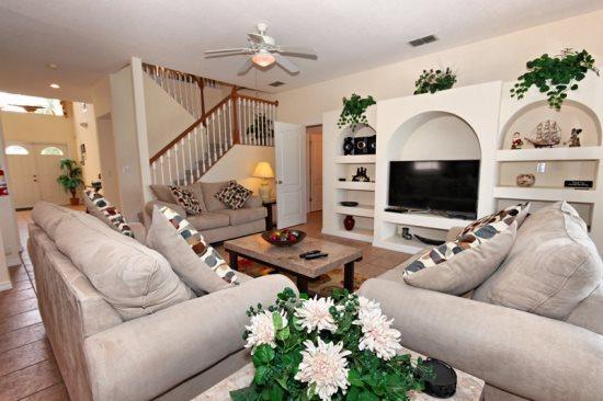 Lovely 5 Bedroom 4 Bathroom Pool Home In Highlands Reserve Golf Club. 343GD. - Image 1 - Orlando - rentals