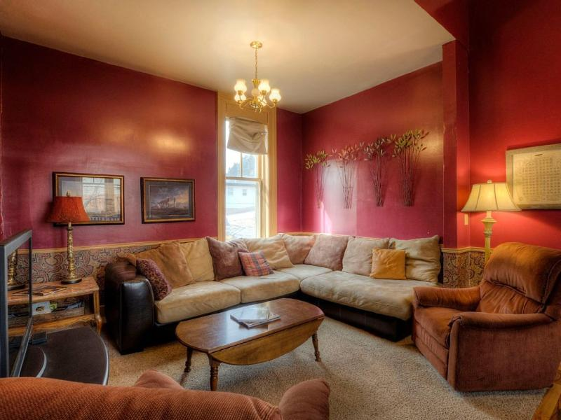 Relax and Enjoy each other again! - Great Family Getaway w/ Lots of Space, New Carpet - Custer - rentals