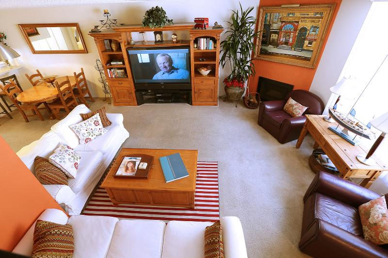 Spacious Townhouse walking to beach and SM pier - Image 1 - Santa Monica - rentals