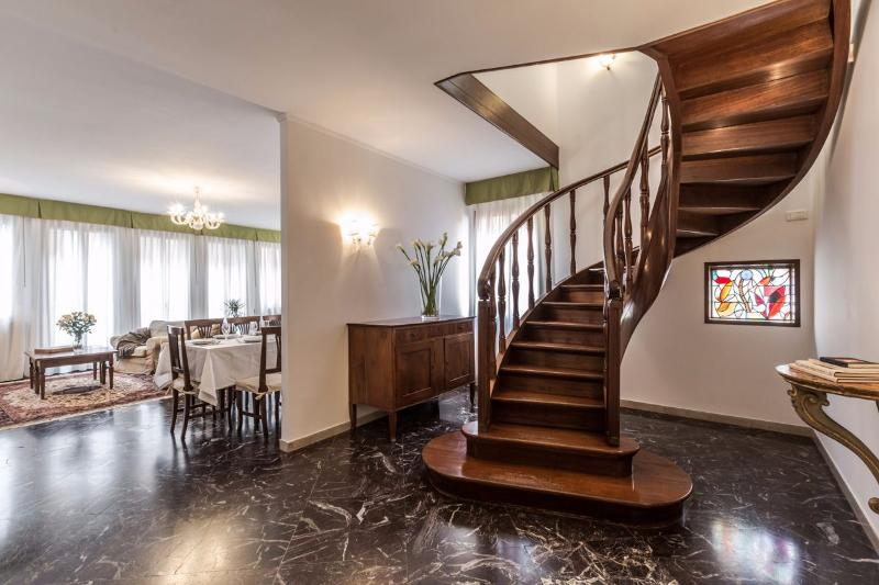 beautiful stairway that lead from the living area to the night area - Angelo Gabriele - Venice - rentals