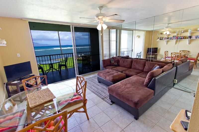 Living Room - 1BR Oceanfront Condo; Pool; Walk to Harbor & Shops - Wailuku - rentals