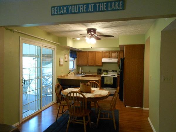 Kitchen and Dining Area - 106-2 - Bronston - rentals