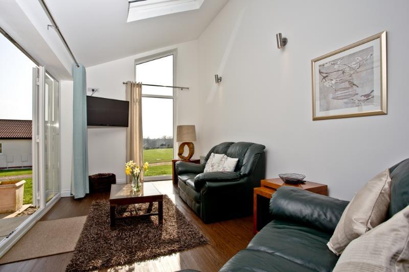 Primrose, Stoneleigh Village located in Sidmouth, Devon - Image 1 - Sidmouth - rentals