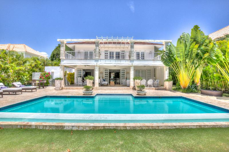 Classic Luxury Vacation Villa in Gated Punta Cana Community - Image 1 - Punta Cana - rentals
