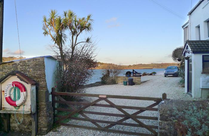 Lanyards - Image 1 - Pembroke Dock - rentals