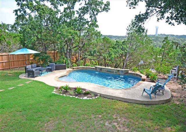 Private Pool - 4BR/2.5BA Ideal Home in Lakeway 1/2 Mile from Lake with Pool. Sleeps 14! - Austin - rentals