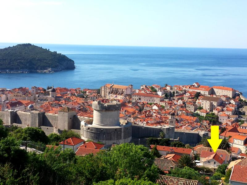 AMAZING LOCATION - stone throw away from the Old City walls - CASA TONI APARTMENT - GREAT LOCATION GREAT VALUE - Dubrovnik - rentals