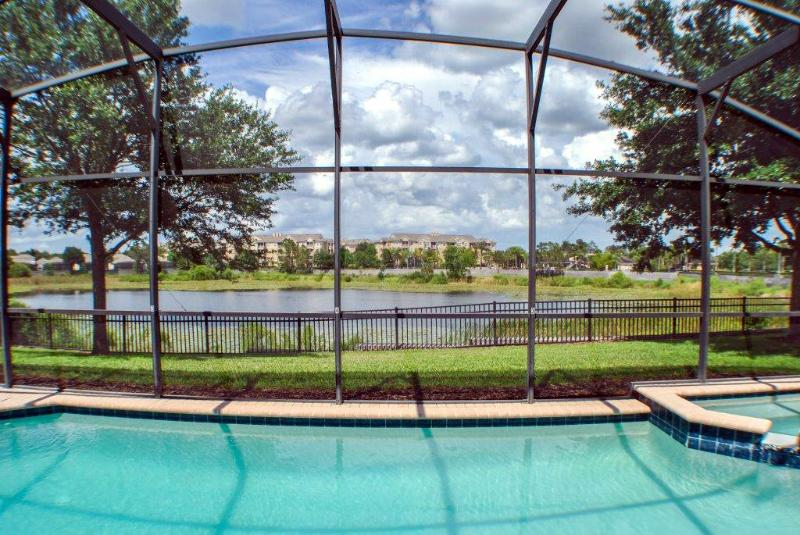 Heated Pool And Spa With Lake In The Background - Welcome To Fun And Relaxation! - Kissimmee - rentals