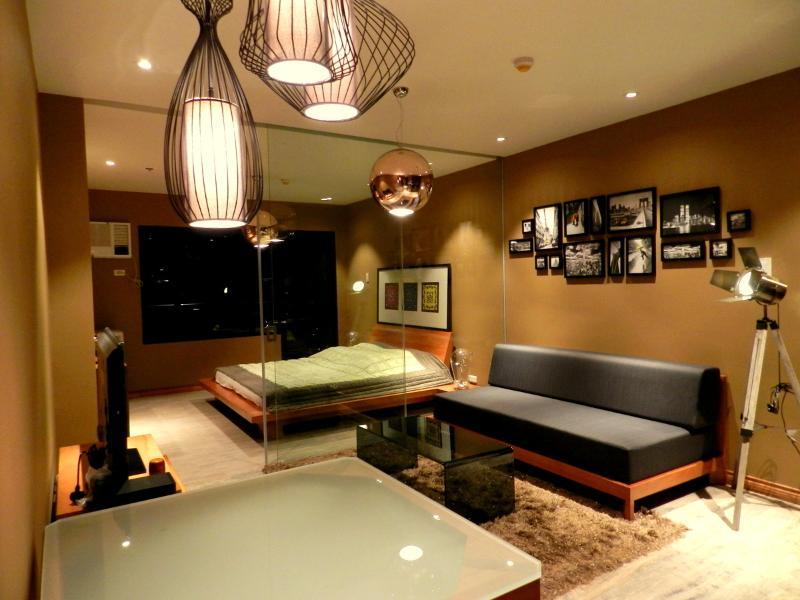Overview 1 - URBAN RETREAT - Perfect Location & SUNSET VIEWS - Manila - rentals