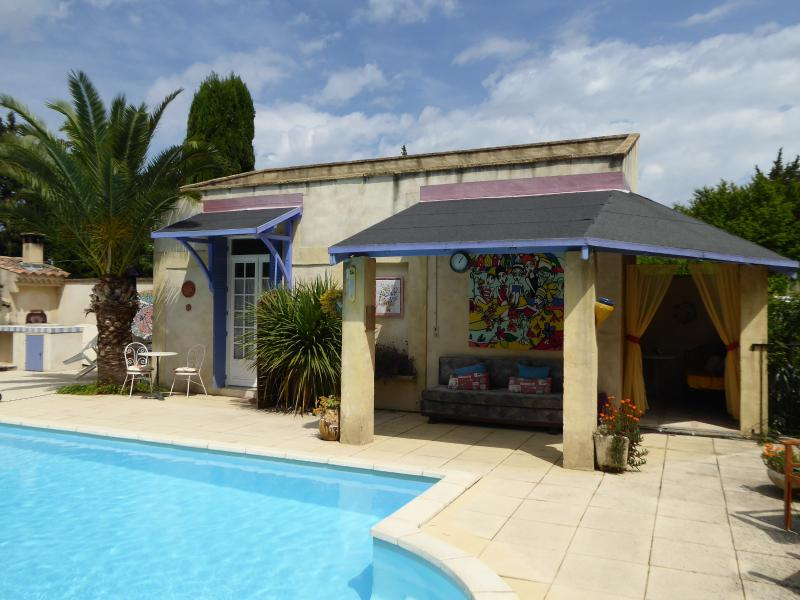 Pool Studio overview - Pool Studio; sleeps2, poolside, heart of Provence - Rognonas - rentals