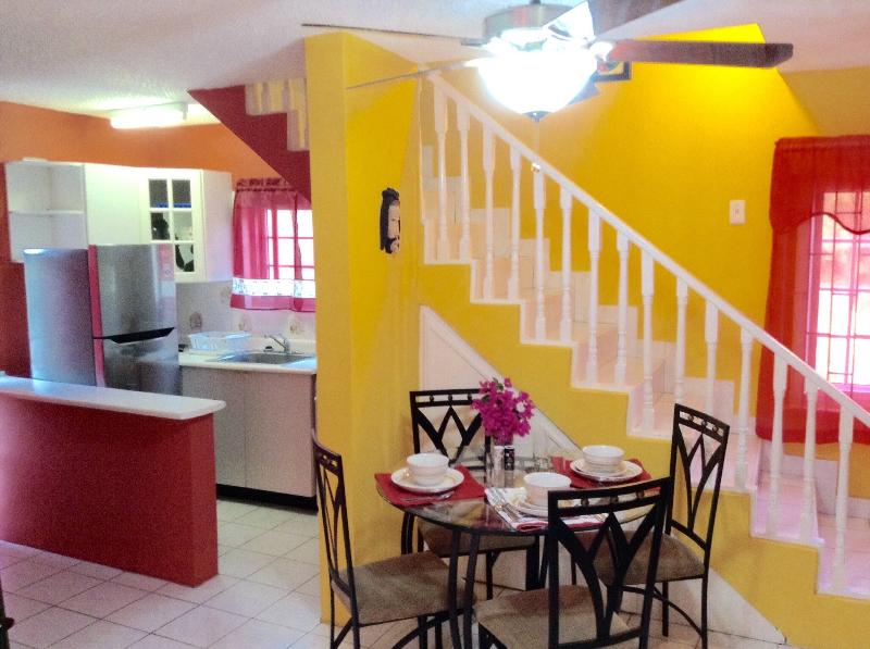 Welcome!!! Your tropical home away from home! - Come & Chill ~ 1 BR/2 BT Duplex - WiFi/Cable/Gated - Ocho Rios - rentals