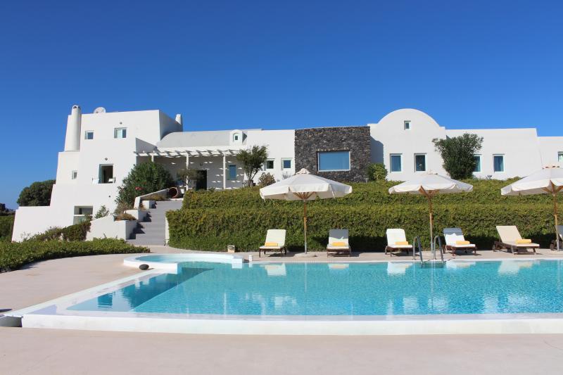 Santorini Luxury Villa with stunning sea views - Image 1 - Akrotiri - rentals