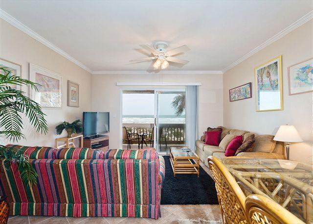Casual Four Winds E10 condo living promotes easy-going lifestyle - Four Winds E-10, Luxury Beach Front, 3 Bedrooms, 2 Pools - Sleeps 10 - Saint Augustine - rentals