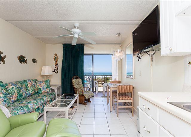 Beacher's Lodge 206 comfortably houses four people - Beachers Lodge 206, Beach Front, Queen Sized Suite, Pet Friendly - Saint Augustine - rentals