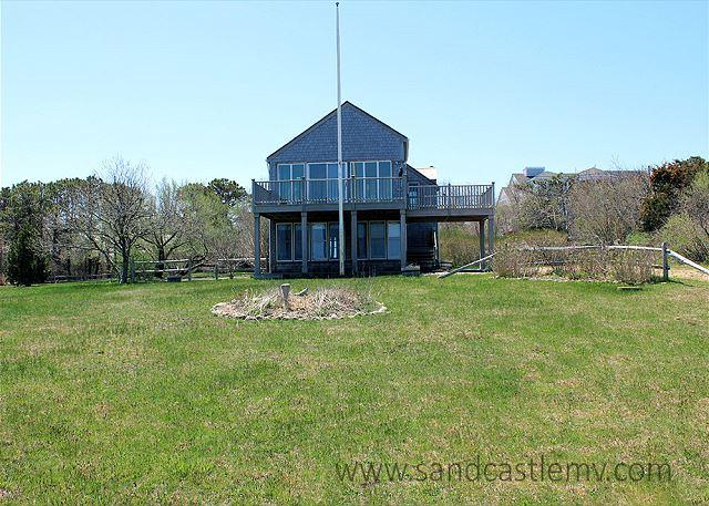 ENJOY BEAUTIFUL WATERVIEWS & AIR CONDITIONING AT THIS PERFECT SUMMER GETAWAY - Image 1 - Chappaquiddick - rentals