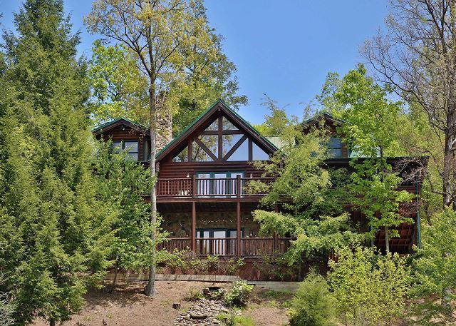 Exterior - Screened-In Sun Porch, Two Decks, Hot Tub, Family Media Room, Game Room - Sevierville - rentals