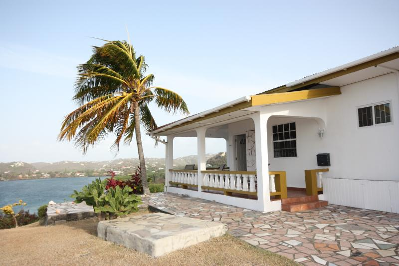Baywatch verandah - Baywatch -  perfect peace, panoramic sea views - Westerhall Point - rentals